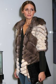 Olivia Palermo warms the night in furry jacket at store opening Estilo Olivia Palermo, Olivia Palermo Lookbook, Olivia Palermo Style, Johannes Huebl, Fabulous Furs, Fur Clothing, Inspiration Mode, Love Her Style, Fur Fashion