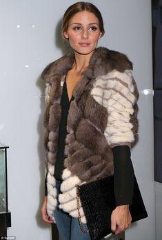 Olivia Palermo warms the night in furry jacket at store opening Estilo Olivia Palermo, Olivia Palermo Lookbook, Olivia Palermo Style, Fabulous Furs, Inspiration Mode, Love Her Style, Fur Fashion, Giovanna Battaglia, Autumn Winter Fashion
