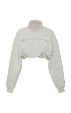 Alexander Wang Embroidered Cropped Cotton Mock-neck Sweatshirt In Light Grey Kpop Fashion Outfits, Mode Outfits, Cute Casual Outfits, Casual Chic, New Mode, Outfits Damen, Sweatshirt Outfit, Turtleneck Sweatshirt, Cute Tops