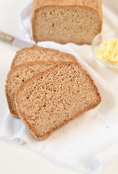 Keto bread loaf No Eggs, Low Carb with coconut flour, almond meal, psyllium husk and flaxmeal. A delicious easy keto sandwich bread with only g net carb per slice to fix your sandwich craving with no guilt! Eggs Low Carb, Low Carb Flour, Almond Recipes, Bread Recipes, Low Carb Recipes, Vegan Recipes, Best Keto Bread, Vegan Bread, Vegan Keto