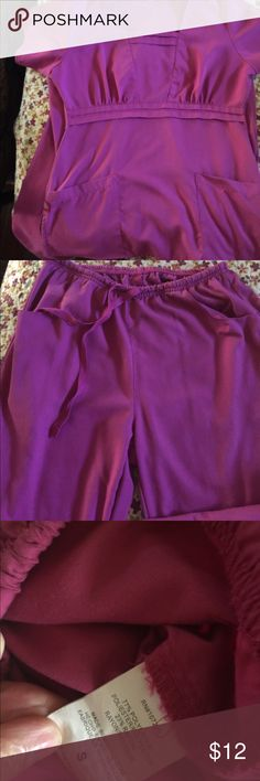 Dickies scrub set size small good used condition Dickies scrub set size small good used condition! Can make a bulk Amy for all!! Dickies Other