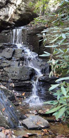 backyard-waterfalls-1200x1600-live-to-garden-cascade-falls-moyuc.com.jpg