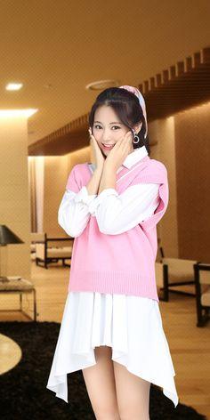 Asian Cute, Cute Asian Girls, Pretty Asian, Girl Fashion, Fashion Outfits, Tzuyu Twice, Beautiful Asian Women, Ulzzang Girl, Billie Eilish