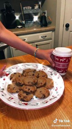 Christmas Cupcake Cake, Christmas Party Food, Christmas Appetizers, Christmas Desserts, Christmas Treats, Christmas Baking, Christmas Cookies, Christmas Feeling, Cozy Christmas