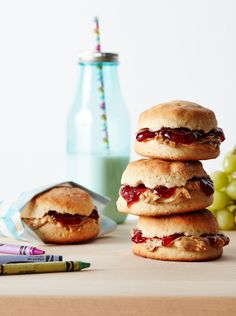 From healthy after-school snacks to easy sandwich makeovers, these fun foods will please even the pickiest eaters