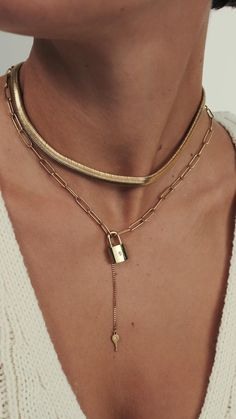 Jewelry Design Earrings, Cute Jewelry, Gold Jewelry, Women Jewelry, Fashion Necklace, Fashion Rings, Fashion Jewelry, Arte Alien, Photographing Jewelry