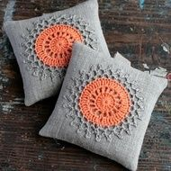 Lavender sachets crochet motif set of 2 by namolio on Etsy Crochet Cushions, Crochet Pillow, Crochet Motif, Crochet Designs, Cute Crochet, Crochet Patterns, Cushion Embroidery, Hand Embroidery Patterns, Embroidery Designs