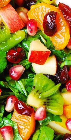 Thanksgiving Salad: Spinach Salad with apples pears mandarin oranges kiwi fruit dried cranberries and pomegranate seeds Thanksgiving Recipes, Fall Recipes, Holiday Recipes, Kiwi, Roast Beef Sandwich, Fruit Salad Recipes, Salad With Fruit, Summer Salads With Fruit, Vegetarian
