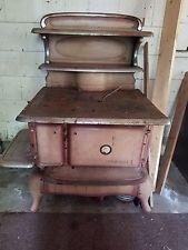 Antique Wincroft Cast Iron Wood Burning Stove ..Era late 1930-1940's