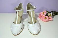 """Svatební boty Marissa T-styl. Pravá kůže bílá, nitro úprava Elite. Celokožená obuv. Vel 39,5 v šířce """"F""""- užší střih špičky. Podpatek 6 cm flare. Cena ve výprodeji = 76,- Eur / 2.052,- Kč. Ušetříte 33,- Eur / 891,- Kč Model, Shoes, Fashion, Moda, Zapatos, Shoes Outlet, Scale Model, Fasion"""