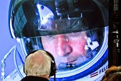 Skydiver Felix Baumgartner breaks sound barrier - cool