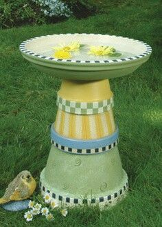 Do you want to attract birds to your garden? Why not provide them a space to bath? Here are 30 DIY bird bath ideas that will make a fun family project.Terracotta flower pots into a birdbath and other ideas!Clay Pots- Terra Cotta Pots are expensive yet it Flower Pot Crafts, Clay Pot Crafts, Diy Clay, Diy Flower, Flower Ideas, Painted Flower Pots, Painted Pots, Hand Painted, Outdoor Crafts