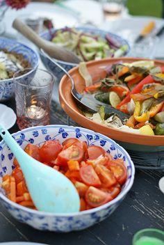 Summer food by wood & wood stool Summer Food, Summer Desserts, Summer Salads, Summer Recipes, Summer Ideas, Summer Barbecue, Bbq, Dessert Bowls, Summer Parties