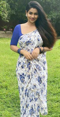 Pretty Beautiful Girl, Beautiful Blonde Girl, Beautiful Girl Indian, Most Beautiful Indian Actress, Beautiful Girl Image, Beautiful Saree, Beauty Full Girl, Beauty Women, Punjabi Dress Design