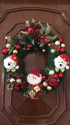 50 Simple Yet Pretty DIY Christmas Wreath Ideas For The Coming Holiday - Page 8 of 50 - Chic Hostess Christmas Door Wreaths, Homemade Christmas Decorations, Christmas Candles, Christmas Centerpieces, Xmas Decorations, Christmas Crafts, Holiday Decor, Whimsical Christmas, Advent