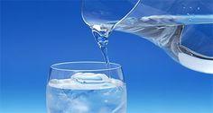 vita-sana.com È importante bere 2 litri di acqua al giorno o è un pregiudizio?