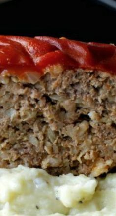 Grandma's Old Fashioned Meatloaf! So Moist and Delicious ~ Ultimate Comfort Food Paired With Mashed Potatoes! I'm not to keen on the rolled oats. I think I'll substitute bread crumbs. Beef Dishes, Food Dishes, Main Dishes, Meat Recipes, Cooking Recipes, Amish Recipes, Dutch Recipes, Hamburger Recipes, Healthy Foods