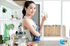 Tao Xinran poses for photo shoot | China Entertainment News