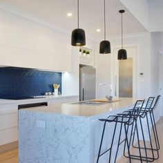 Dynamic and absolute style! Contact us for a variety of designs for your next kitchen countertop. Custom Kitchen, Traditional House, Home, Kitchen Colors, Blue Backsplash, Kitchen Styling, Countertop Colours, Caesarstone, Interior Design