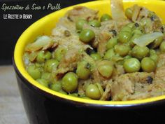 Lo spezzatino di soia e piselli è un fantastico secondo piatto vegano, sicuramente molto più sano e leggero del suo corrispettivo carnivoro.