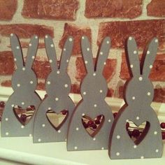 Arts And Crafts Architecture Easter Arts And Crafts, Spring Crafts, Happy Easter, Easter Bunny, Spring Decoration, Easter Table Decorations, Animal Crafts, Wooden Crafts, Diy Crafts To Sell