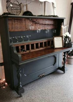 13 Repurposed Piano Parts in Useful Things - Wohnung Dekor diy Farbe - Furniture For You, Home Decor Furniture, Furniture Makeover, Vintage Furniture, Furniture Decor, Painted Furniture, Furniture Design, Furniture Stores, Refinished Furniture