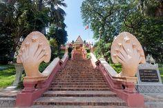 Wat Phnom Buddhist temple, Phnom Penh