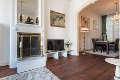 Elegant two bedroom apartment, for up to four guests, overlooking one of Amsterdam�s most beautiful canals.