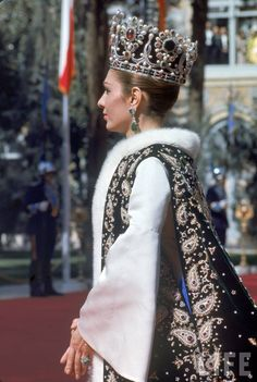 Empress Farah, wife of the Shah of Iran at the coronation in early 1970's, that crown must of weighed a ton! How regal and beautiful~