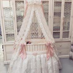 Royal Baby Crib