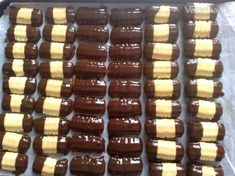 Jemné strojčekové pečivo (fotorecept) Christmas Candy, Christmas Baking, Chocolate Recipes, Chocolate Cake, Biscuit Decoration, Slovak Recipes, Pastry Cake, Ice Cream Recipes, Holiday Cookies