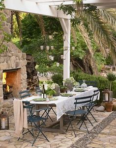outdoor furniture: