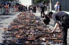 """BLOG  """"ETERNO APRENDIZ"""" : POLÍCIA FEDERAL E EXÉRCITO DESTROEM 4 MIL ARMAS NO..."""