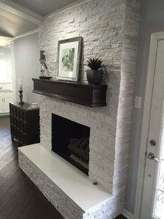 Most up-to-date Totally Free Stone Fireplace makeover Style Fireplace makeover: Crystal White Quartzite Interlocking Ledger Panel Fireplace Remodel, Fireplace Mantel Decor, Remodel, Home Remodeling, Brick Fireplace Makeover, Farmhouse Fireplace Mantels, Painted Brick, Fireplace