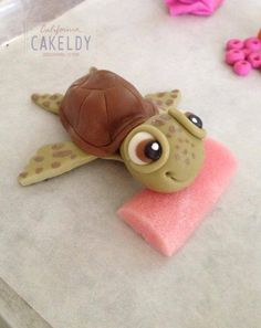 Turtle 3 Would be really cute in clay! Polymer Clay Animals, Fimo Clay, Polymer Clay Projects, Polymer Clay Creations, Polymer Clay Crafts, Clay Turtle, Jumping Clay, Fondant Animals, Cute Clay