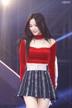 Blackpink Jisoo - Melon Music Awards So beautiful😍💕💕 Kpop Girl Groups, Korean Girl Groups, Kpop Girls, Blackpink Jisoo, Stage Outfits, Kpop Outfits, Blackpink Fashion, Fashion Outfits, Black Pink ジス