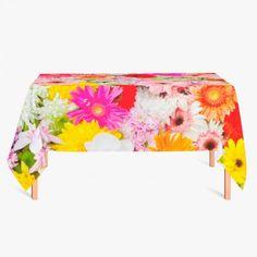 Tafelkleed Bloemetjes   Fleur je keuken op met dit weerbestendige tafelkleed bestaande uit geweven linnen met PVC.   #tafelkleed #keukentextiel #keuken #kleed #pvc #print #opdruk #tafel #weerbestendig #bloemen #bloem #natuur