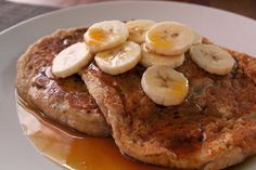 Whole-wheat banana pancakes