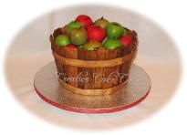 Absolutely awesome apple basket cake... maybe as one of the tiers?