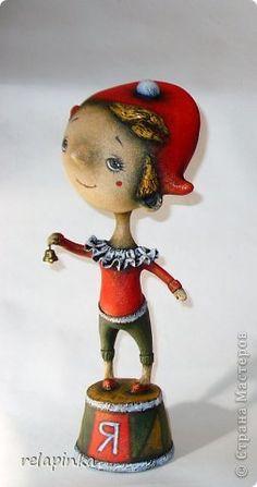 Очень подробный МК по созданию статуэтки из папье-маше: gfynb — ЖЖ Toy Workshop, Paper Art, Paper Crafts, Paper Mache Clay, Whimsical, Miniatures, Sculpture, Christmas Ornaments, Disney Princess