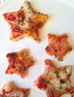 """Essen Obst You Need to Make At Least One Thing A Star This Weekend Sternen-Pizza Unser Kindergeburtstag hat das Motto """"Weltraum"""". Pop Star Party, Star Wars Party, Star Pizza, Un Diner Presque Parfait, Fingers Food, Moon Party, Party Party, Star Food, Space Party"""