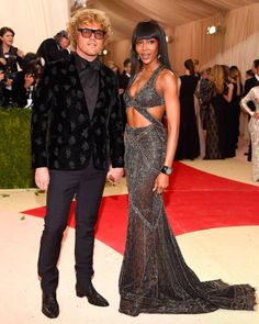 Creative Director Peter Dundas and the beautiful Naomi campbell in #CavalliCouture step onto the red carpet at the 2016 #MetGala.