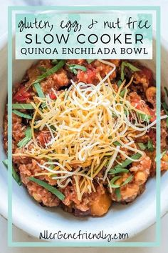 Making a quick dinner recipe for the whole family in my crockpot is my favorite! And when it's a healthy and easy recipe that serves as a main dish, what more could I want? Simply throw all of the gluten-free ingredients in your slow cooker for a fast, tasty meal that's both vegan & vegetarian. This quinoa enchilada bowl is even delicious leftover and for meal prep! #spicy #mexicanrecipe #butternutsquash #cilantro #beans #tacos #fixitandforgetit |corn| |black beans| |simple recipe| Slow Cooker Quinoa, Slow Cooker Recipes, Crockpot Meals, Crockpot Quinoa, Healthy Dishes, Good Healthy Recipes, Healthy Meal Prep, Sin Gluten, Gluten Free