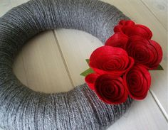 Yarn Wreath Felt Handmade Door Decoration Classic by ItzFitz
