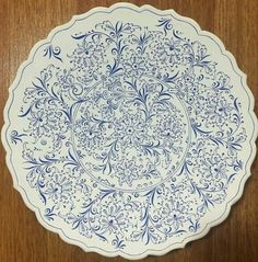 click now for info. Turkish Plates, Turkish Art, Turkish Tiles, China Painting, Ceramic Painting, Glazes For Pottery, Ceramic Pottery, Ceramic Plates, Decorative Plates
