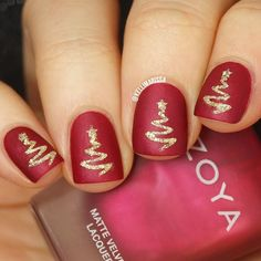 Another holiday tutorial for you guys!!  LINK TO THE VIDEO IS IN MY BIO ☝️☝️ I decided to create these SUPER simple elegant textured Christmas trees using a vinyl from @whatsupnails and some pretty shades from @zoyanailpolish ❤️ and I love how they turned out! Go check out the video and let me know what holiday look you want to see next