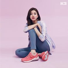 Suzy Korean Model, Korean Singer, Friend Of God, Ulzzang, Miss A Suzy, My Love From The Star, Sitting Poses, Pose Reference Photo, Kim Woo Bin