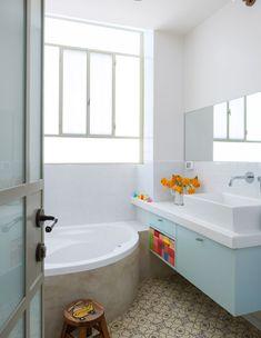 רופין, חדר רחצה ילדים - האריחים המהדהימים + תכלת מדהים לארון!