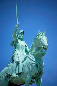Statue of Jeanne d'Arc in Paris, Basilique du Sacré Cœur de Montmartre.