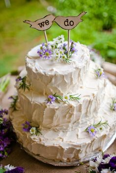 I have seen pics of this style of cake before. And I think I like it. However, I am pinning this as a Do Not.